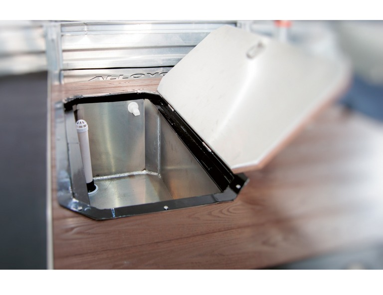 AlloyCraft Storage POD With Hatch & Fish Live Well